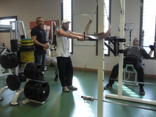56 machines dans la salle de musculation.JPG