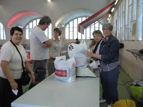 marché 1 juin chef Degand ferme du poulet 004.JPG
