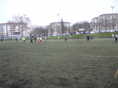 foot à belleroche le 30 11 2014sur leur terrain et des supporters en masse.jpg