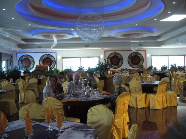 palais de chine un intérieur et des lustres impressionnants.jpg