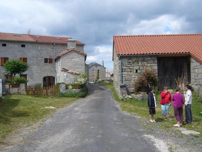 Auvergne juillet 2010 004 Bugeac.JPG
