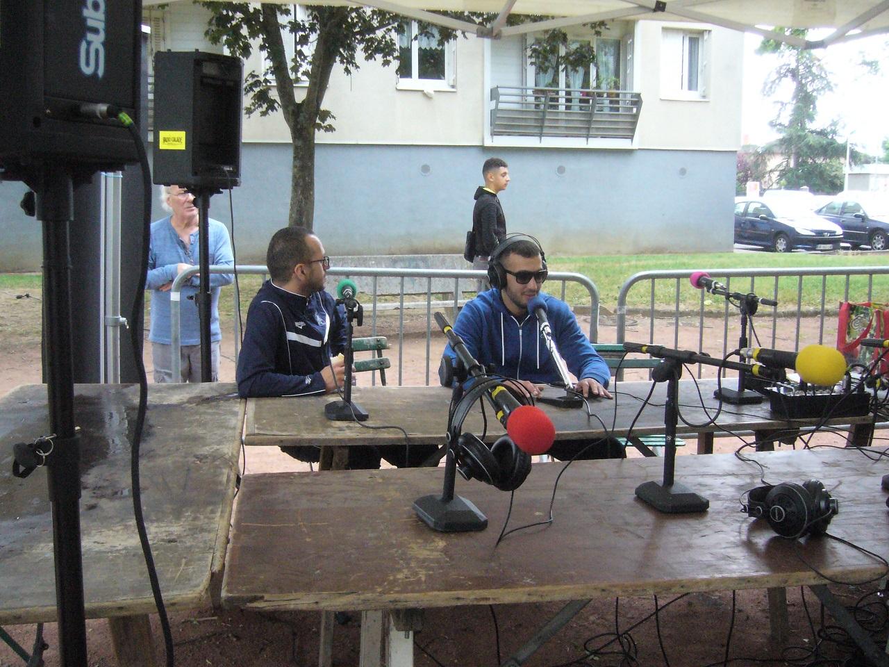 fdq7 Youcef et Adame à radio calade.jpg