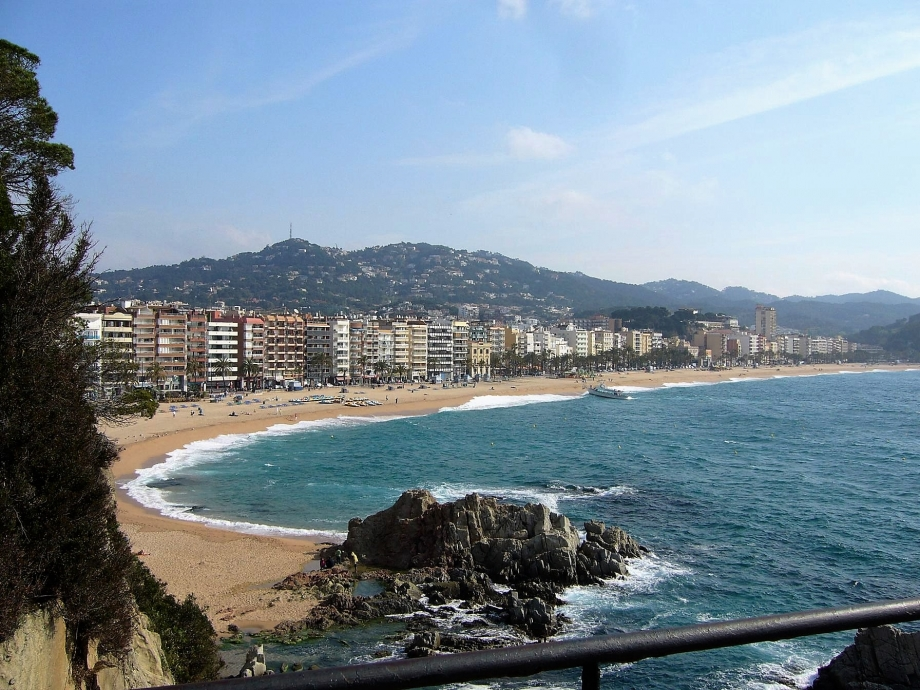 sorties 2009 UNRPA Costa Brava plage de Lloret de Mar en plein centre ville.JPG