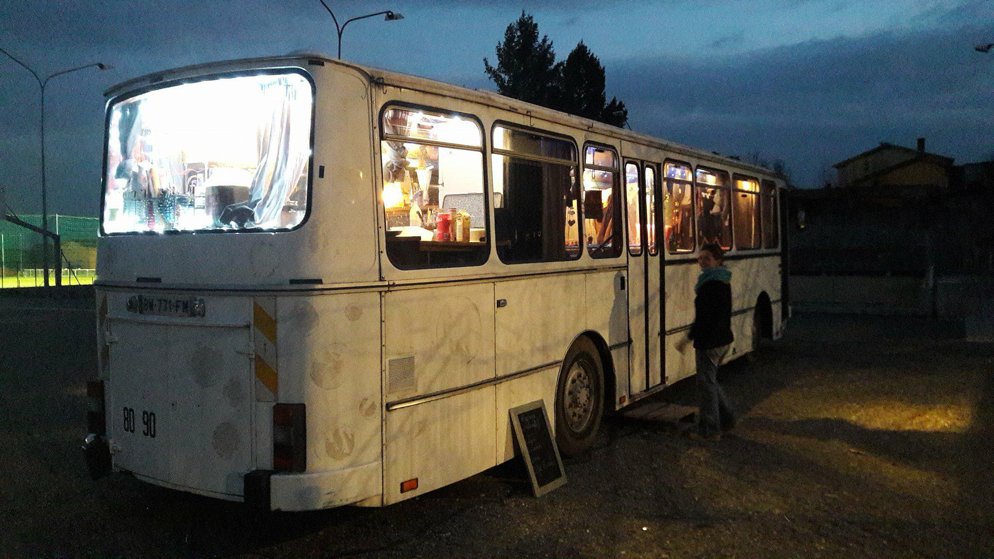 Le bus en nocturne.jpg