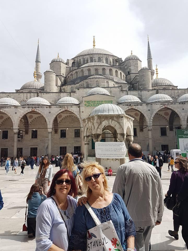 CHRISTIANE ET MF 19 AVRIL ISTANBUL MOSQUEE BLEUE 2018.jpg