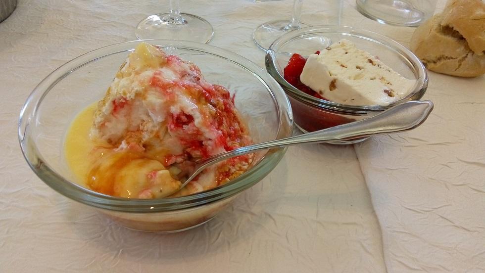 petits desserts ile flottante deux coupes.jpg