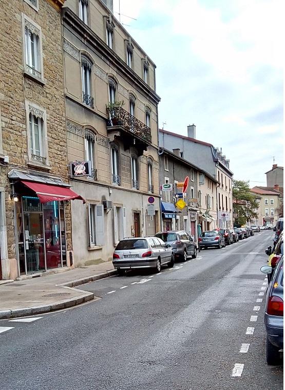 rue de tarare 1.jpg