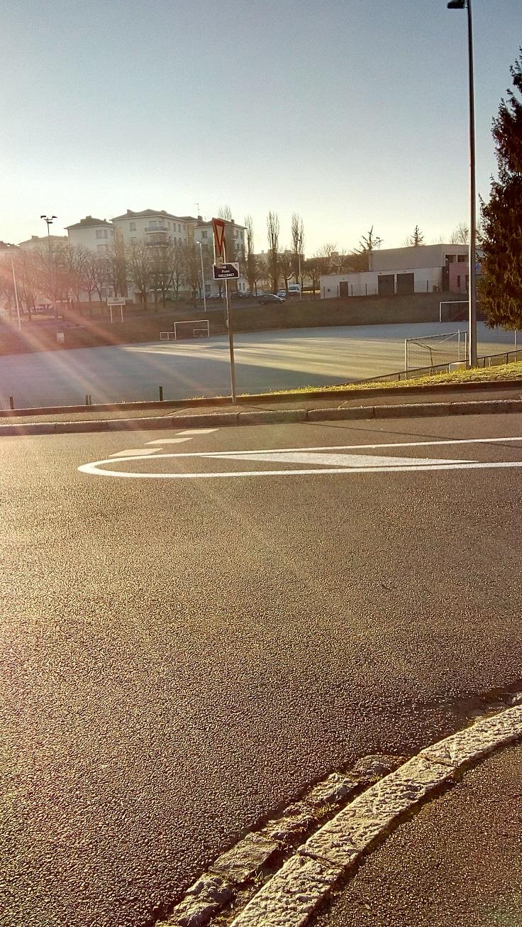 stade depuis rue guillermet.jpg