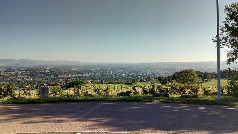 en bas vue sur belleroche et la ville de Villefranche.jpg