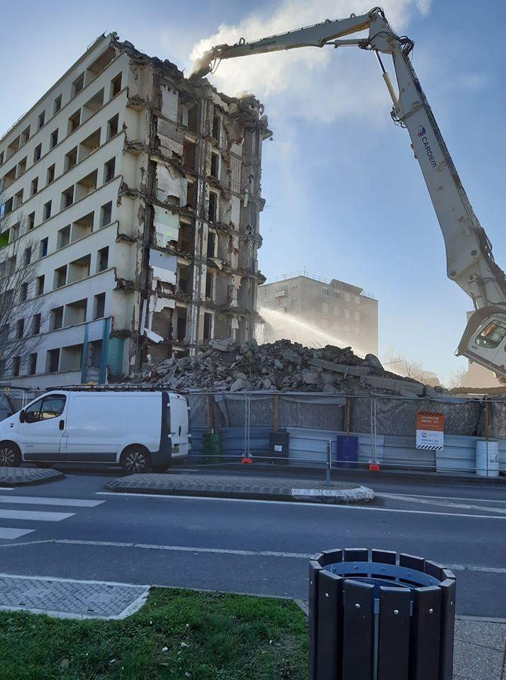 demolition grande barre 20 02 2020.jpg