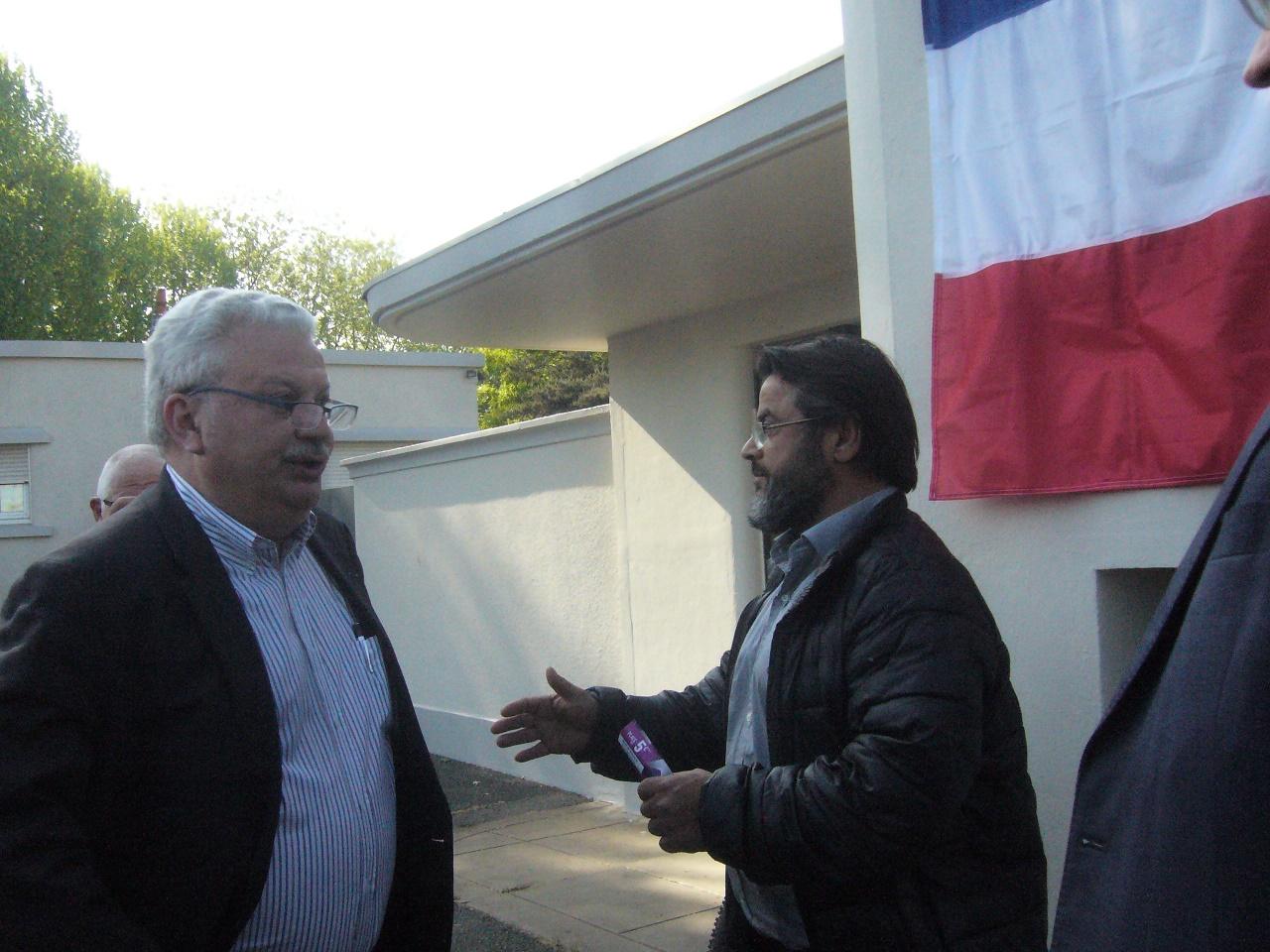 Ben et le président du district.jpg
