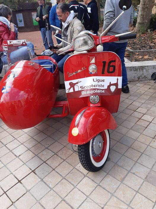 Ligue scooteriste beaujolaise pause place des arts 18 09 2021 parade annuelle mondiale 3e samedi de septembre.jpg