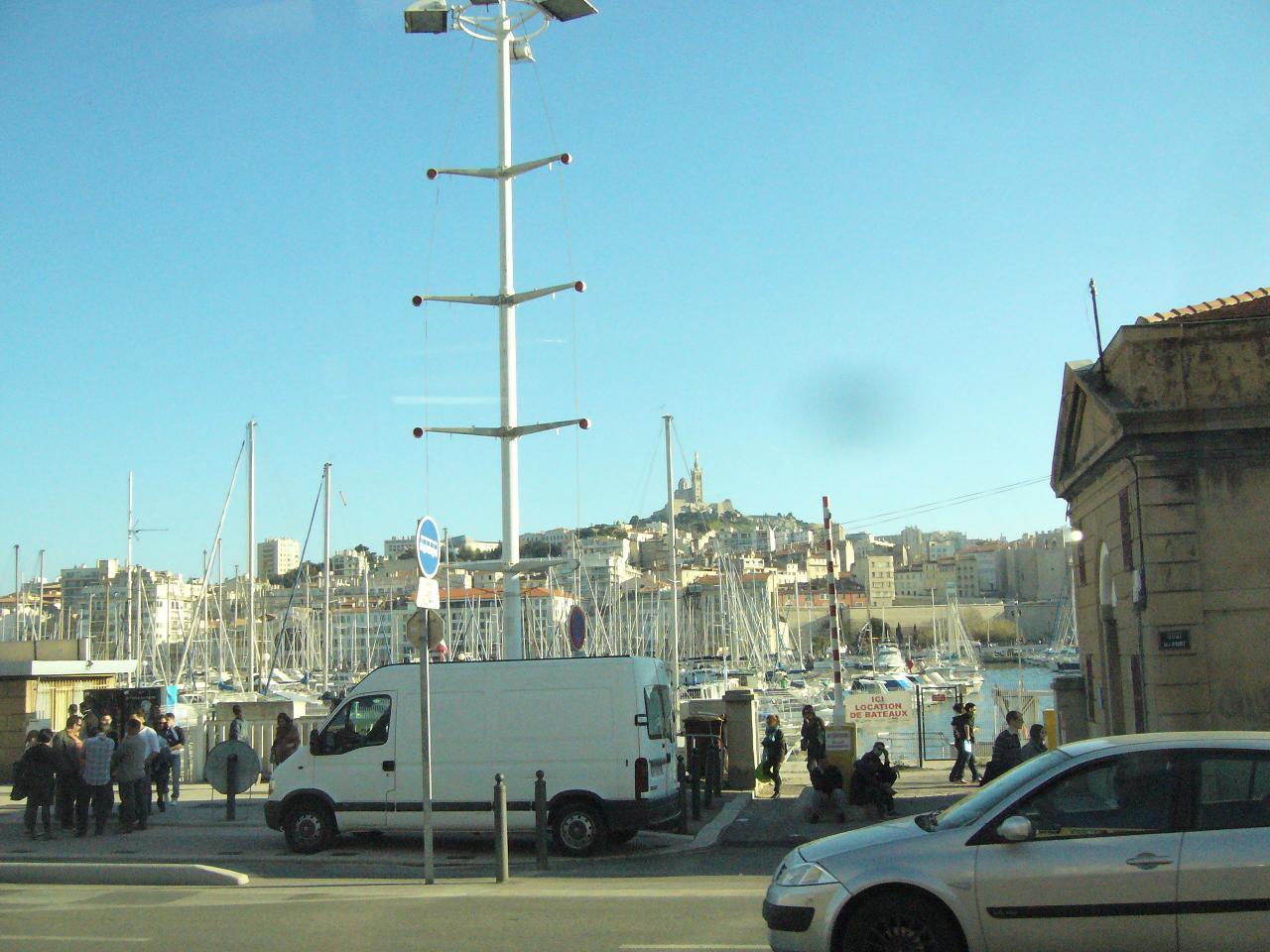 N D de la garde depuis un banc sur le vieux port 8 03 2014