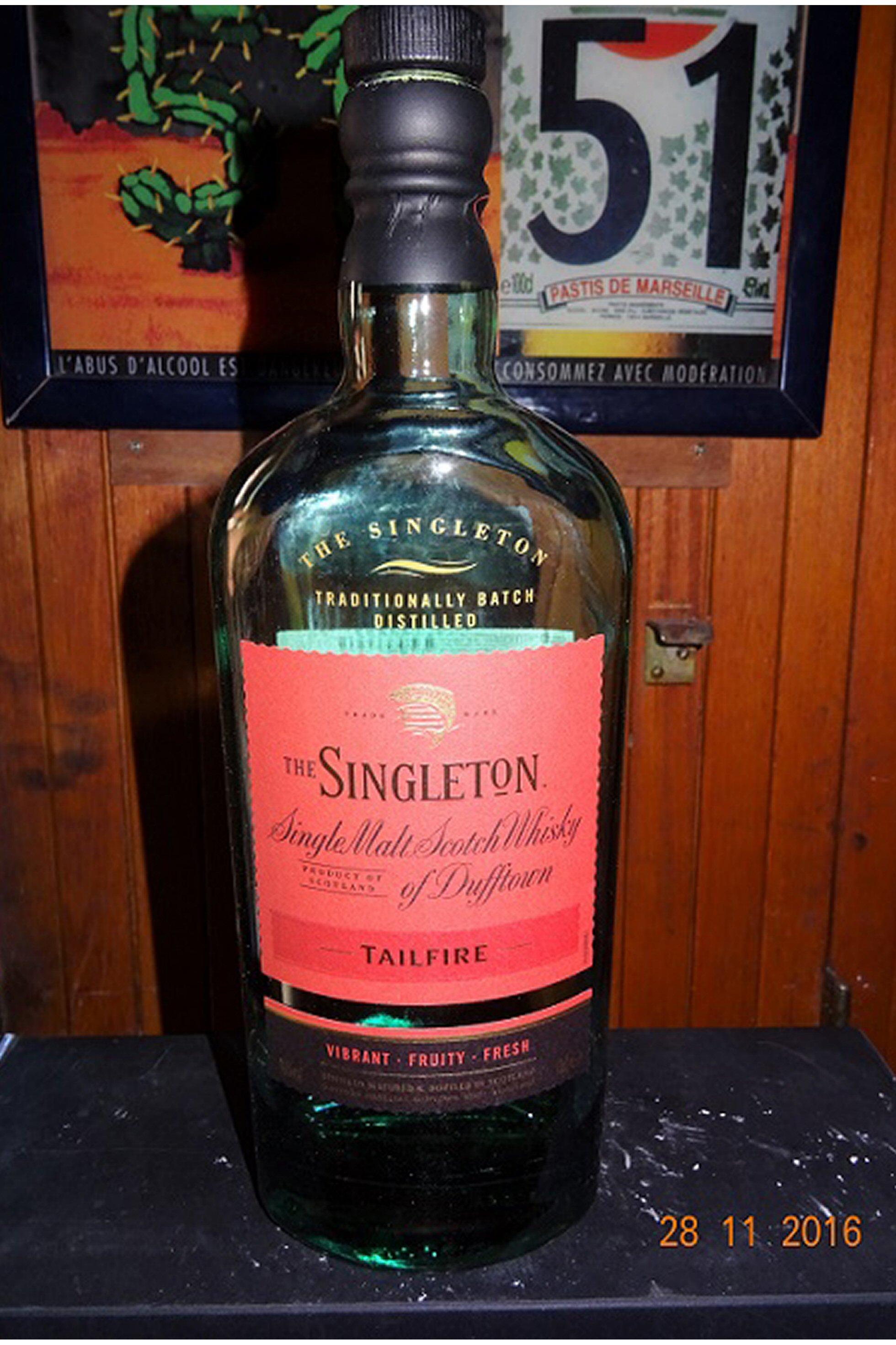 SINGLETON 70CL A.jpg