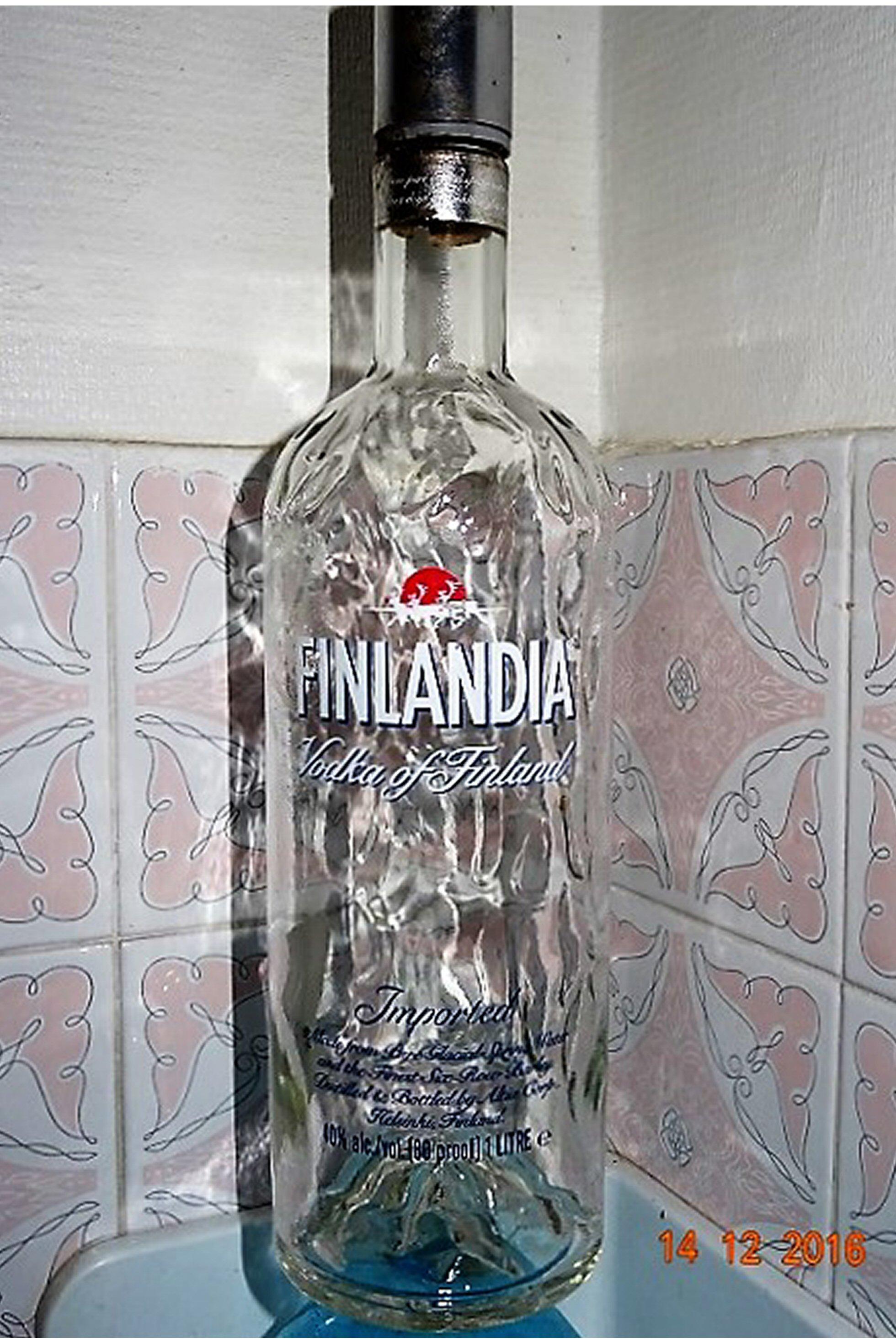 FINLANDIA 1L B.JPG