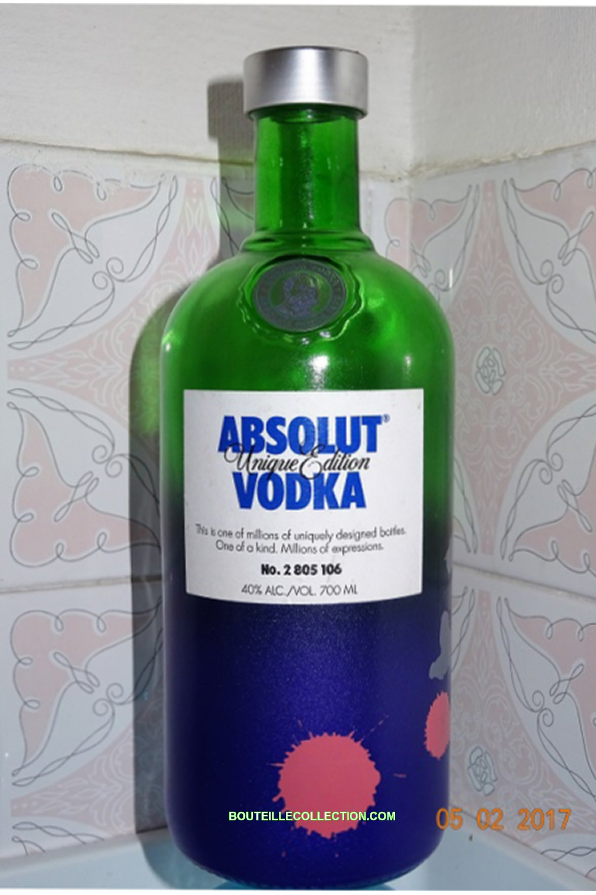 ABSOLUT UNIQUE EDITION 70CL BB 106 .JPG
