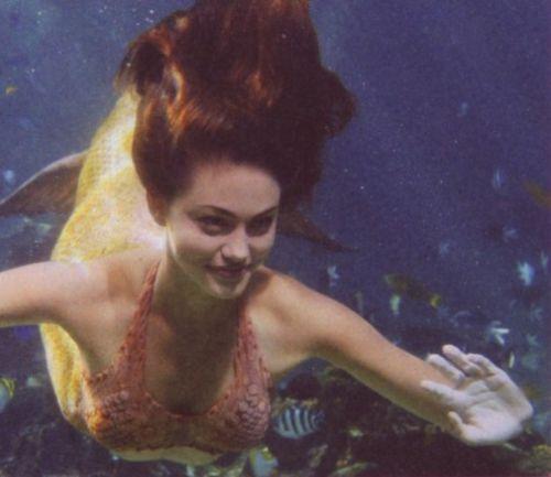 Cléo nage