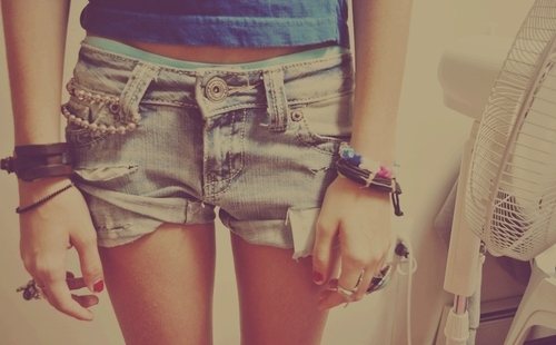 braclets-girl-polish-ring-shorts-thinspo-Favim.com-41190.jpg
