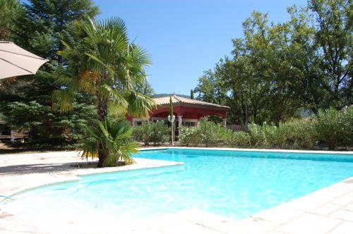 Villa avec piscine a louer dans le var for Villa avec piscine a louer dans le sud