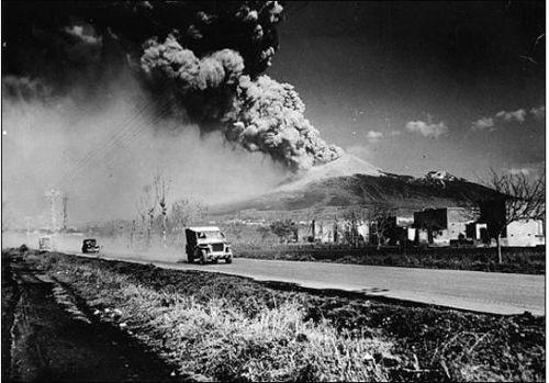 Vésuve en éruption, année 1944