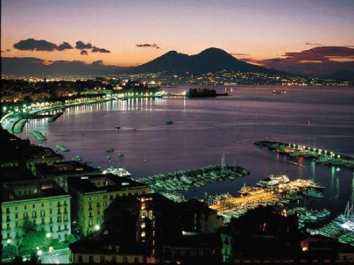 Baie de Naples, la nuit