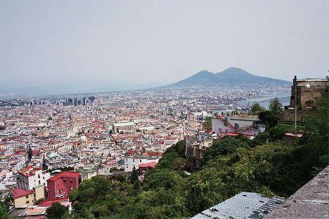 Jolie vue de Naples et sa banlieue