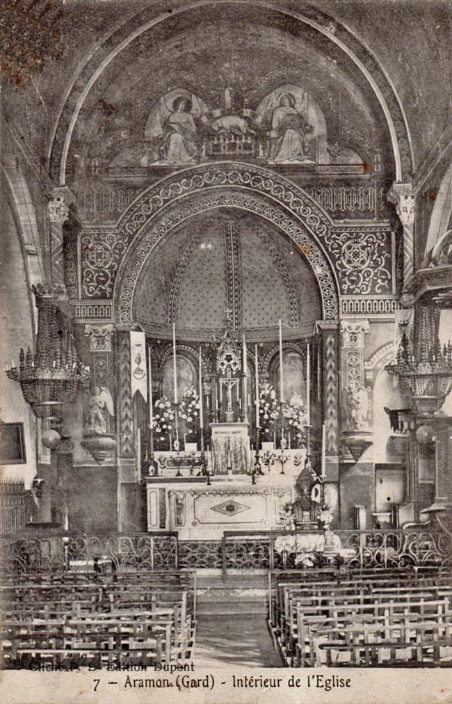 1907 Intérieur de l'église 650 px.jpg