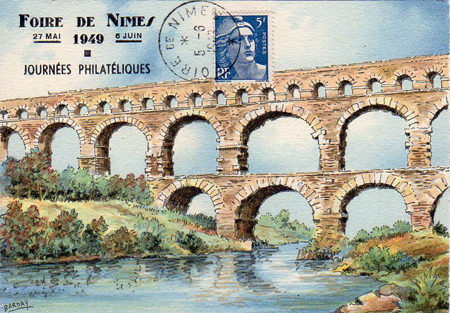 Pont du Gard 1949 450 px.jpg