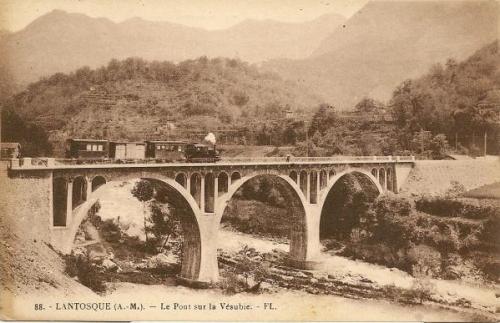 Tramway_sur_le_pont_du_Martinet_à_Lantosque.jpg