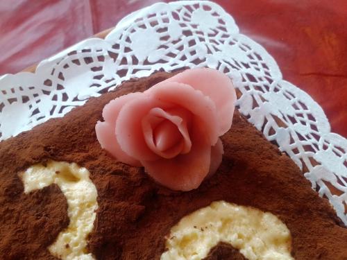 Tiramisu Rose.jpg