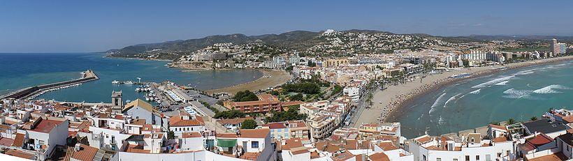 820px-Vista_panorámica_de_Peñíscola_desde_el_castillo.jpg