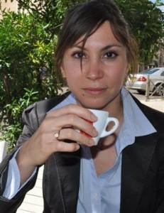 https://static.blog4ever.com/2011/02/468831/sabrina-hamoudi-poursuit-un-travail-d-investigation-pour-esperer-deposer-une-requete-en-revision-photo-franck-bassoleil-231x300.jpg