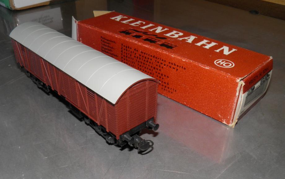 PB211995