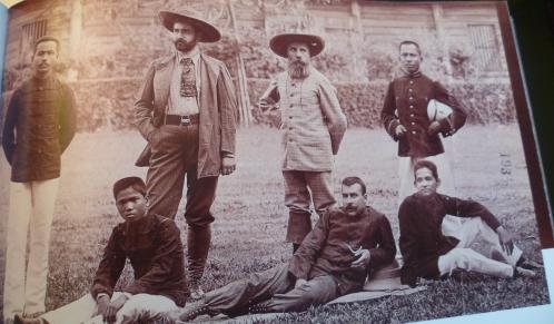 Pavie et un diplomate français et 4 cambodgiens de l'Ecole Coloniale.JPG