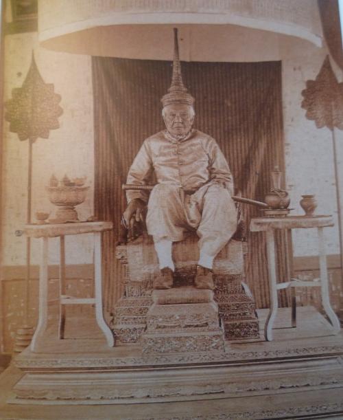 Pavie roi du Laos.JPG