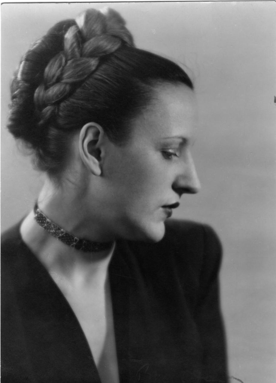 1946 Aurore à 30 ans.jpg