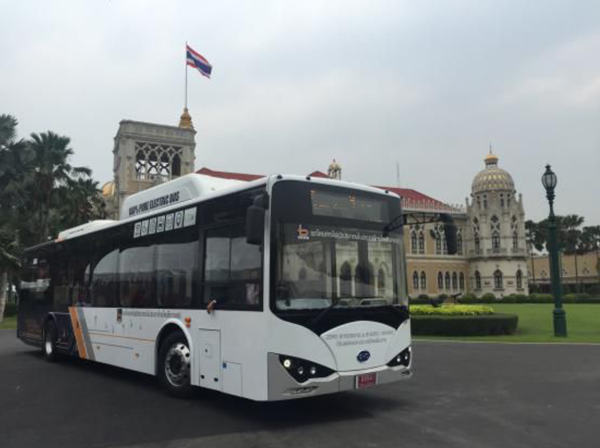 BYD electric bus assembld in thailand 2016.png