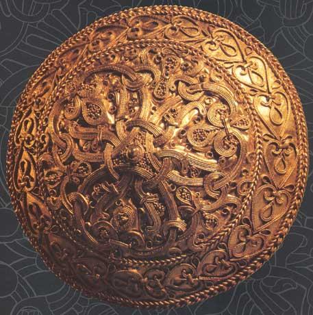 broche viking en or trouvée en Dk.jpg
