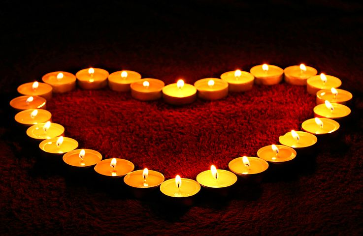 candles-1645551__480.jpg