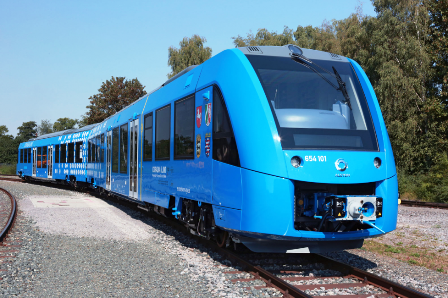 Alstom train Coradia à FC 11 2017.png