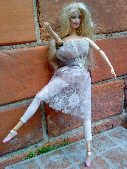 barbie fait de la danse