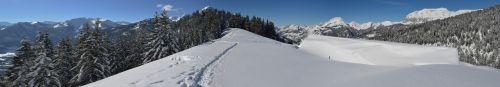 Au dessus du Petit Chatel - Haute Savoie - Randonnée raquettes