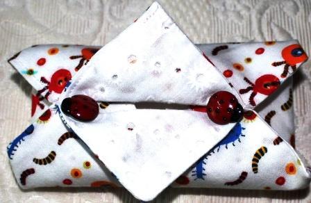 pochette à mouchoirs  format grande boite