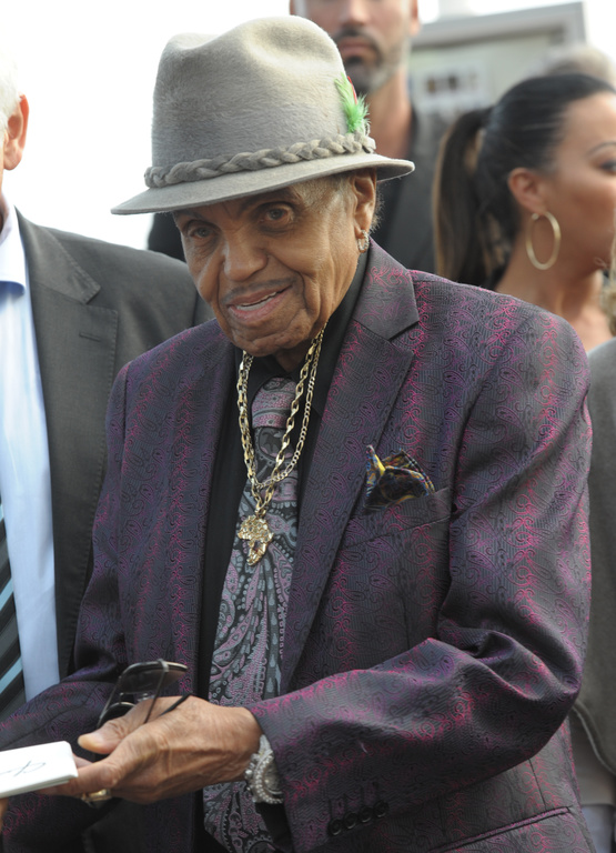 Joe-Jackson-pendant-le-68eme-Festival-du-Film-a-Cannes-21-mai-2015_exact1024x768_p.jpg