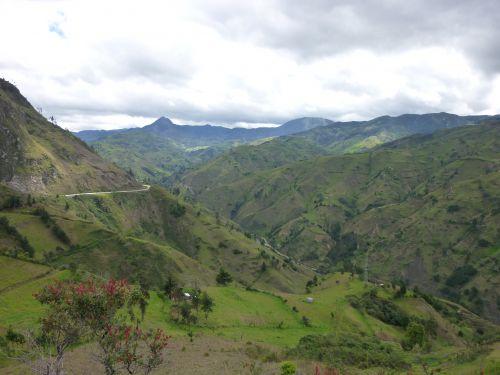 La vallee pour rejoindre Loja