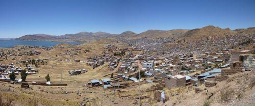 Puno, petite ville au nord du lac Titicaca