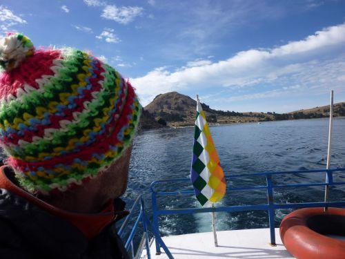 Fraisi le bonnet, oh !... mais assorti aux couleurs locales !