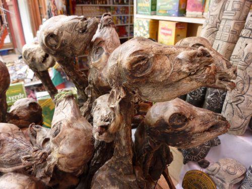 Porte bonheur Bolivien, vendu au marchè des sorcières