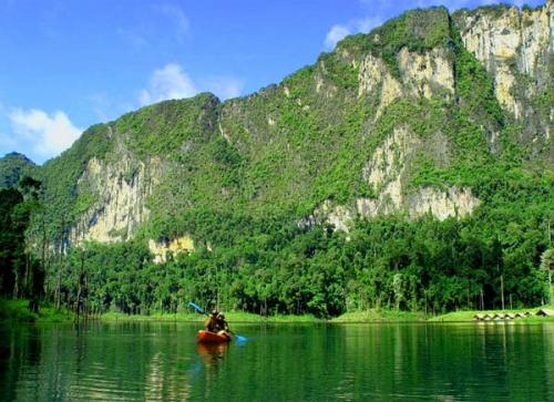 kayaking-khao-sok.jpg