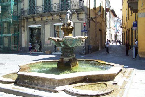 Prato : fontaine del bacchino